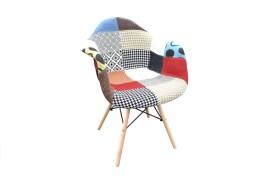 Židle s dekorem patchwork